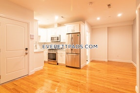 Everett 2 Beds 1 Bath - $2,100
